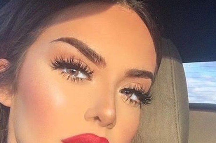If you're looking for the best cheap false eyelashes, then these are the best fake lashes to get! Not all falsies have to be expensive, as these are just as good as the pricey ones!