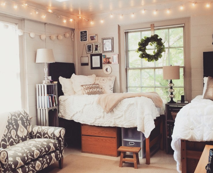 Are you looking for the best cheap bedroom decor for your dorm or apartment? We have searched for the cutest yet affordable items to decorate your space with! Whatever your taste may be, there is a look for you in this list!