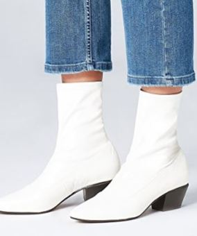 Here are some chic ways to wear white boots!