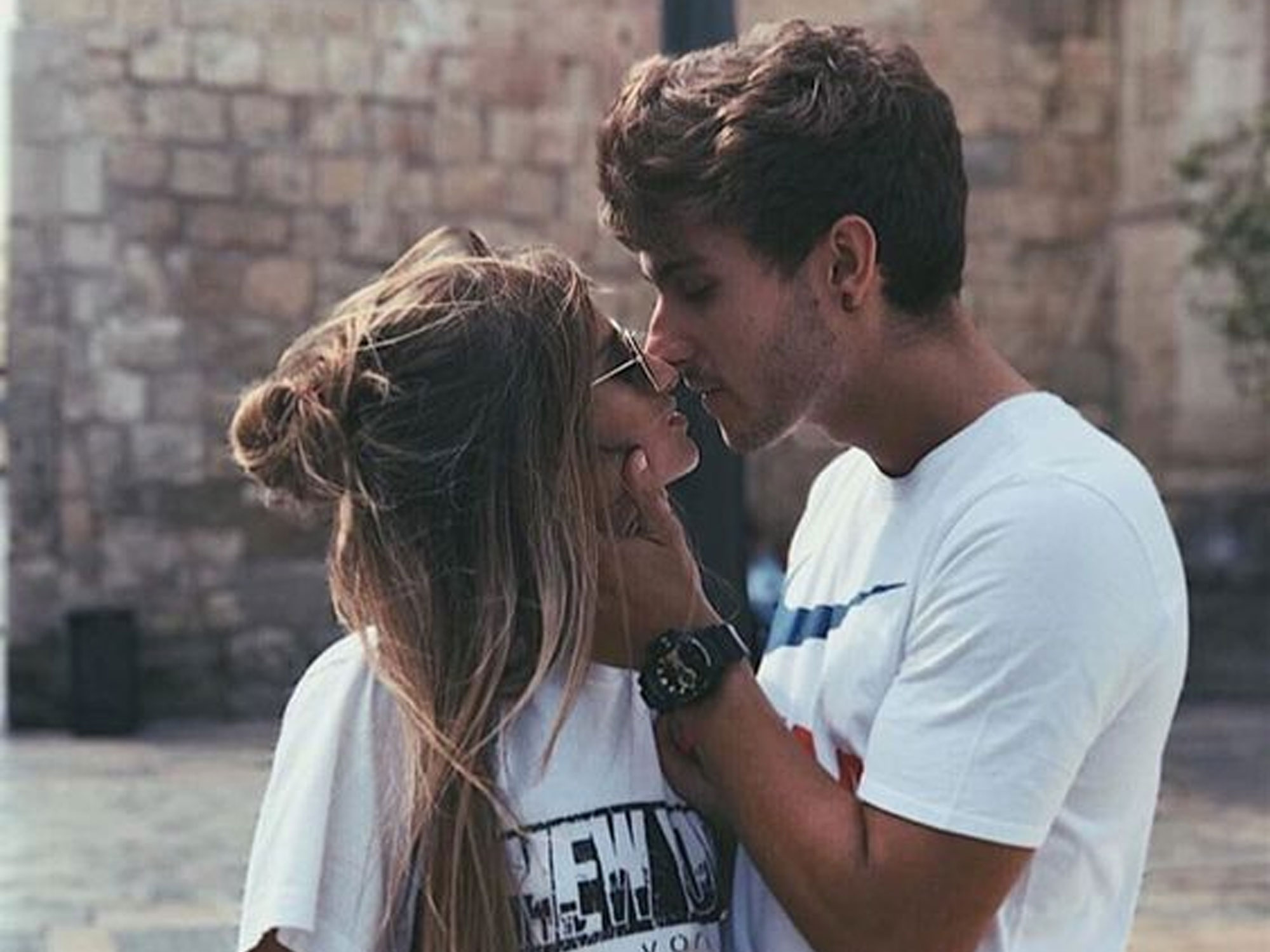 date and kiss