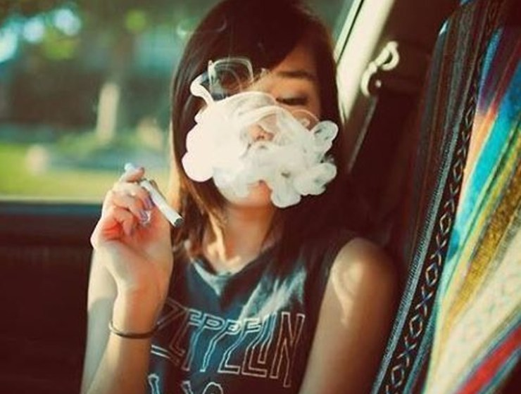 If you're looking for reasons why smoking weed is good for you, fortunately, there's a good amount. Here's all the positive side affect cannabis has !