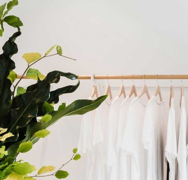 Are you ready to help the environment with sustainable fashion? Try these stores for affordable prices and great looks while sporting vintage apparel. These are great ways to change up your wardrobe to stand out and save the planet.