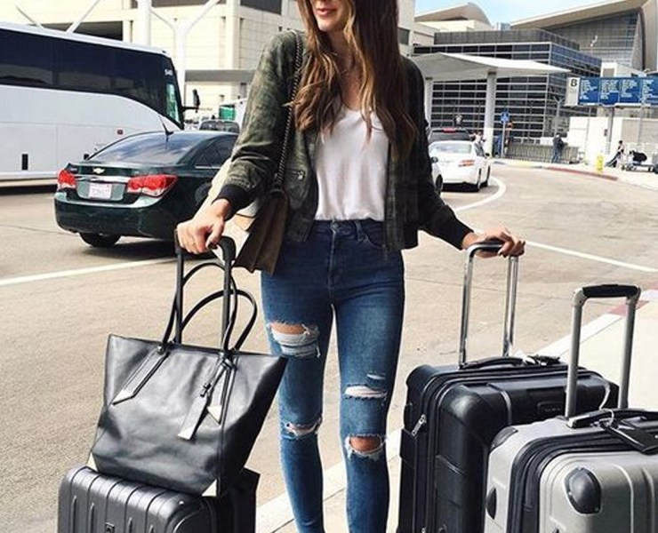 Are you looking for some travel packing tips for your next big trip? We all know how that a heavy suitcase can cost us some big bucks when flying. These suitcase packing ideas will help you big time!
