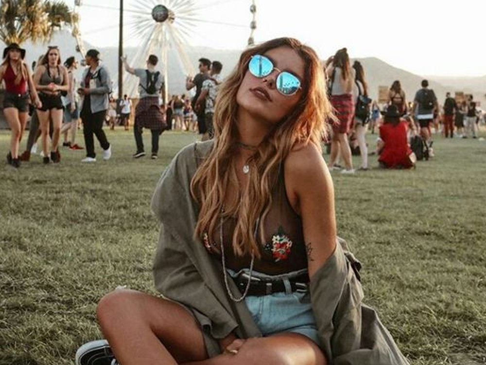 Take a look at this festival fashion that will get you turning heads at any concert this summer. Whichever your style is, from glitz and glam to edgy or chic, we have you covered.