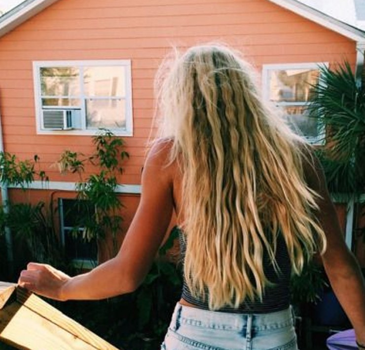 Looking for the best sea salt spray for fine, straight hair? We have the best products in the industry listed for you. Here's to gorgeous hair!