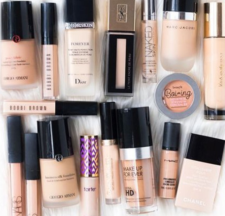 Here are the best concealers for dark spots. There products are sure to give you long lasting full coverage! Here are our top picks!