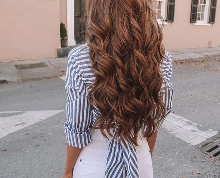 Looking to find some curling irons for super straight hair? Here are our top picks to be sure you get the curls of your dreams!