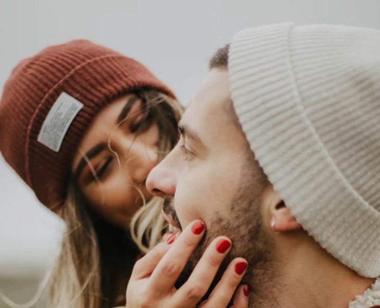 Just because a woman is American doesn't mean she's superficial and easy to figure out like myths you hear. Here's how to date an American woman!