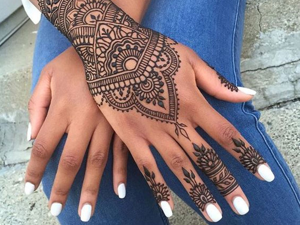 15 Henna Tattoo Ideas That Are Perfect For Your Next Holiday - Society19 UK