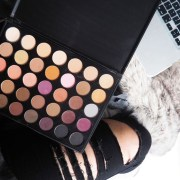 Here are the best morphe eyeshadow palettes, that you need in your collection! These popular palettes are sure to give your look a boost!