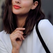 You need to be rocking orange lips all summer long. This season, go for bold beauty and show your confidence! Here are our suggestions to get you started.