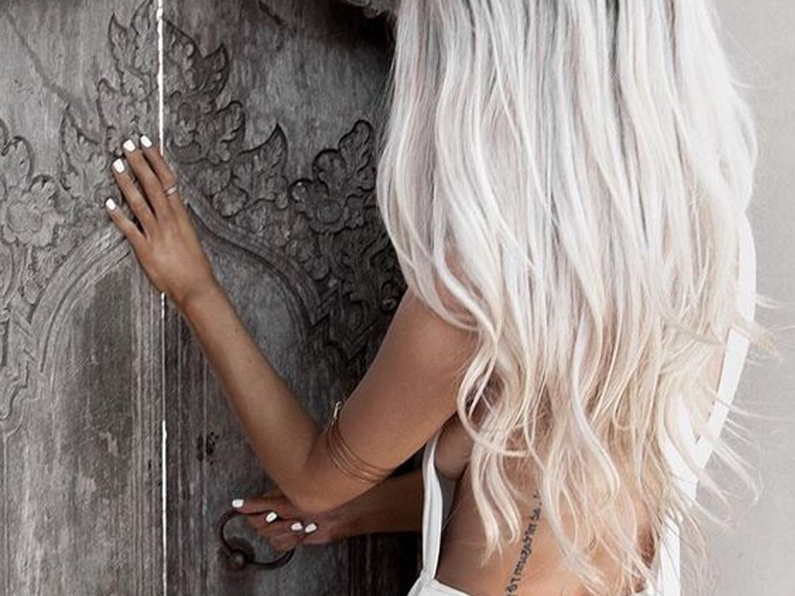 Are you thinking about going platinum blonde? There are so many different ways that range from icy blonde looks, silver hair, a grey tint, and more!