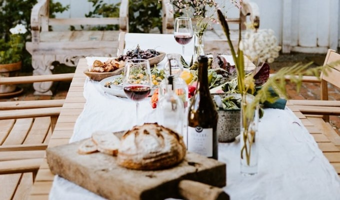 Check out these ways for how to stay healthy on holiday. Learn how to enjoy your vacation while still remaining healthy and true to routine.