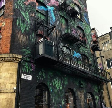 Take a look at these overrated places to go to in Manchester England. These are places that you can definitely miss and not feel bad about it.