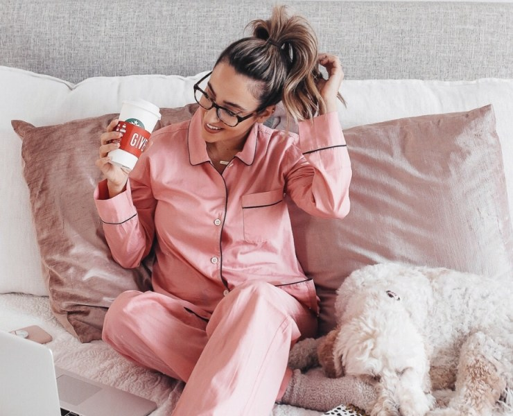 Cute sleepwear is important to have this fall! It's even more important for your pyjamas to be both stylish and comfortable! Here are some of our faves!