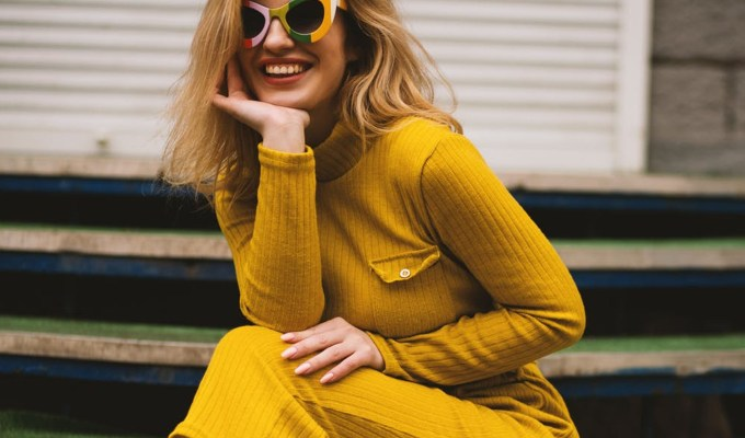 Colour trends for the cooler autumn and winter months are important to keep in mind when planning your next fashionable outfit.