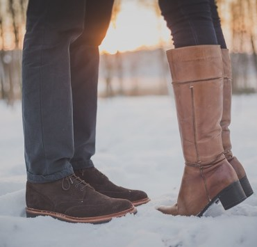 These winter boots will keep you both stylish and warm this winter season! We've put together a list of some of the best ones!
