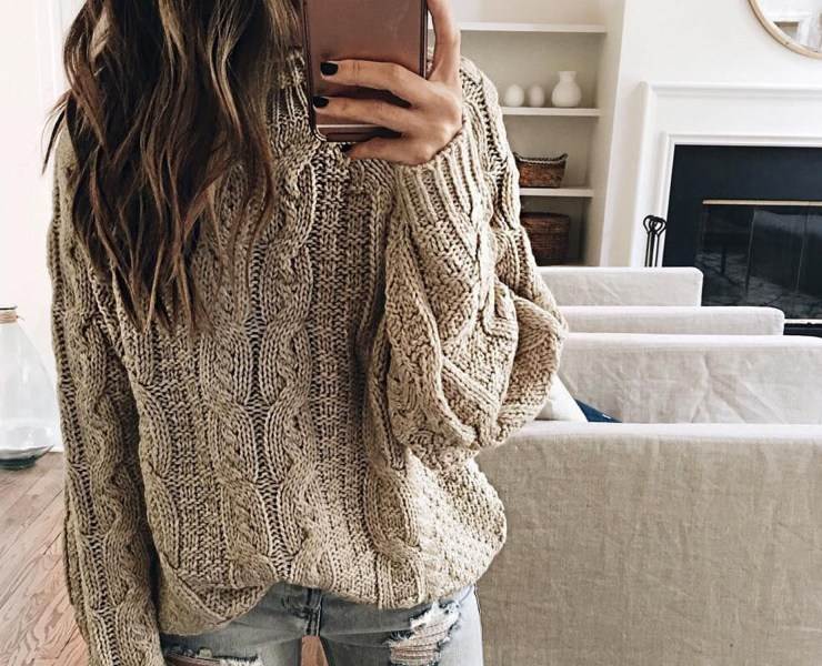 This list of the trendiest jumpers you can wear this autumn will have you looking fashionable and keep you warm in the cold fall weather.