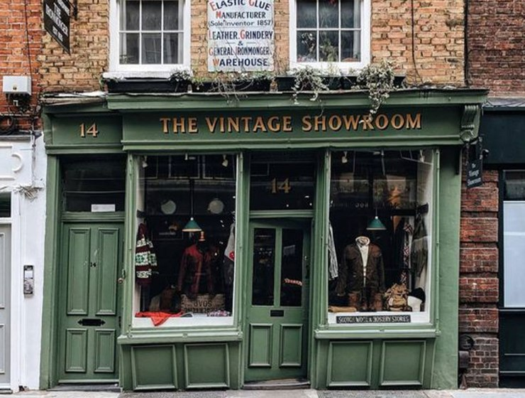 Here are the best vintage places you need to shop if you think vintage fits your style. These shops will make these styles easy to find.