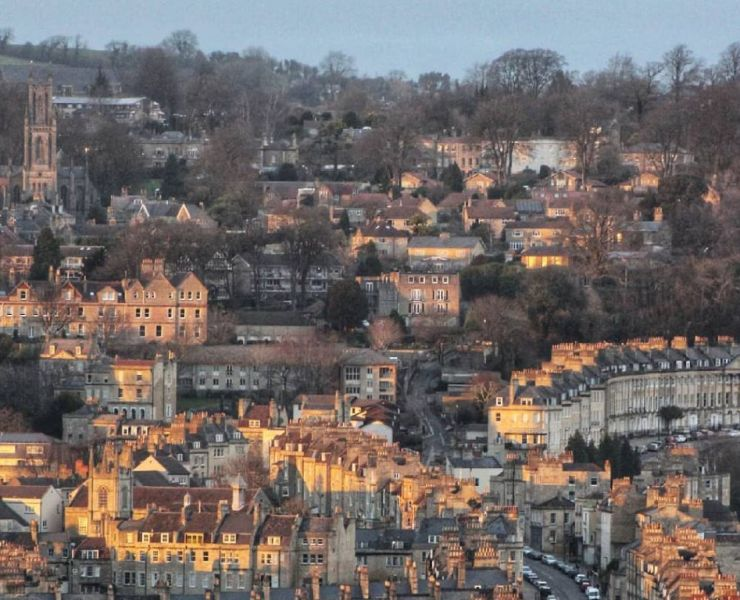 Stuck for date spots in Bath? Do not worry because here are 5 Date Night Spots In Bath that will suit anyone and are budget friendly.