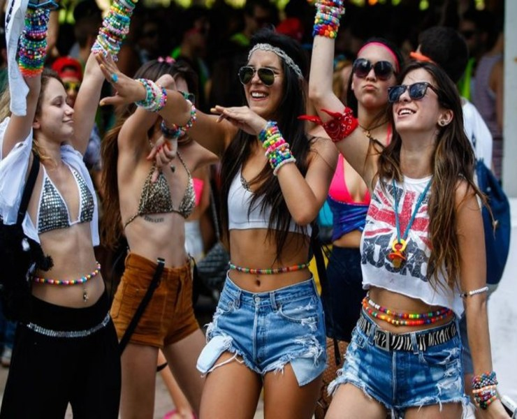 10 Music Festival Outfits You Need To Check Out