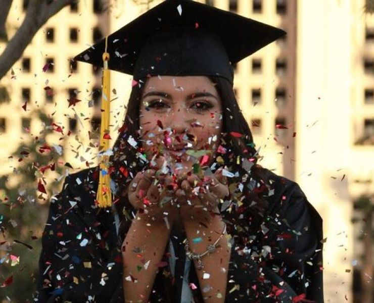 Finding the right graduation gift is so important, especially when it's for your best friend! Here are 10 Graduation Gifts For Your Best Friend!