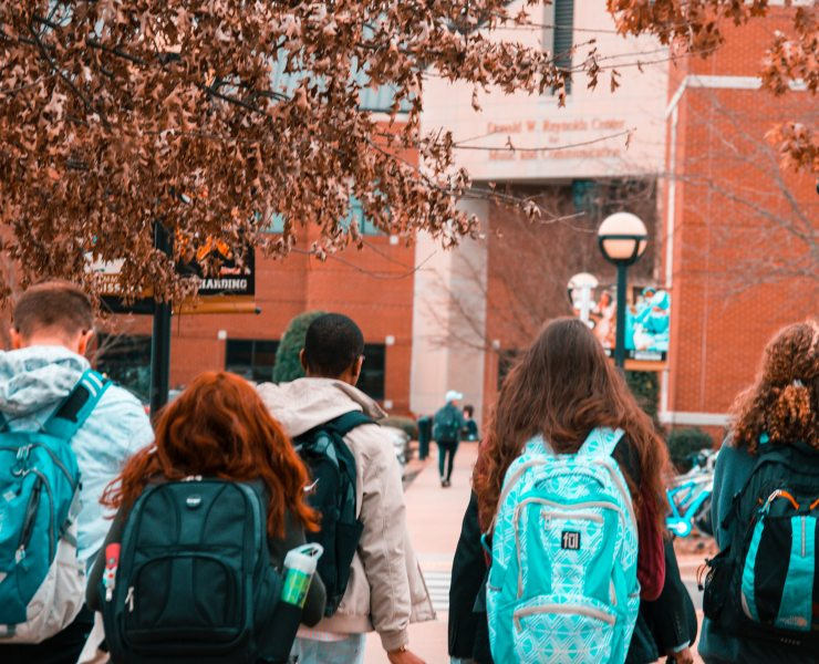 Going to college is a minefield, and social media makes it that little bit harder, so here are my do's and don'ts for social media in college.