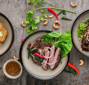 Here's 8 caribbean recipes made easy! Try these Jamaican favourites like jerk chicken and rice and peas and rum punch for those summers evenings!