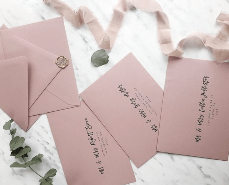 Want your wedding invitations to stand out? Find your perfect wedding invite here with these 10 innovative wedding invitation ideas!