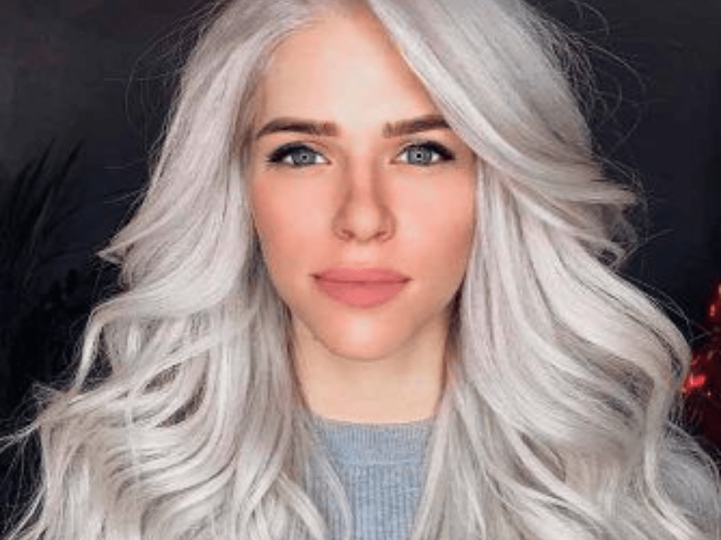 The decision to turn to hair bleaching can be an extremely daunting and frightening one. These are our tips to ensure the safety of your hair!