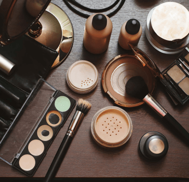 Finding cheap makeup items while on budget can be a pain. However, we made this list of cheap AND good quality makeup to help you in your rough days!