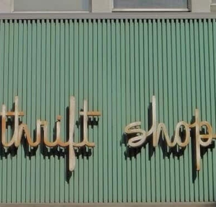 If you want to go thrifting, but you are unsure of what to do, here is our ultimate guide on how to thrift like a pro - you'll thank us!