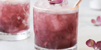 The best thing after a long ho day it is just sit for a moment and enjoy the freshness of a drink. In this article 5 refreshing drink recipes for you!