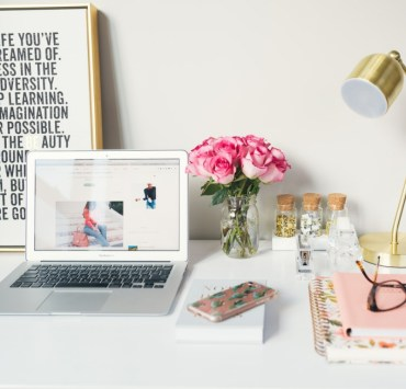 These cute ways to organise your desk will be sure to keep your work station clean and tidy! Follow these tips for a less stressful study experience!