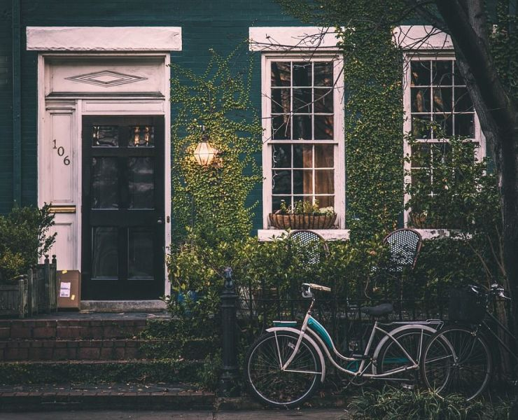 Here are a few tips on how to cope with homesickness whilst at university. Share these tips with friends who are struggling missing home.