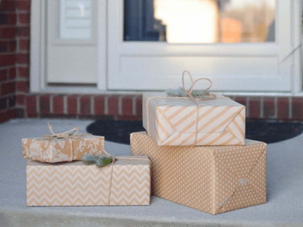 Are you looking for unique and classic housewarming gifts to give to the newest homeowner in your life? Here are some that are out of the box!