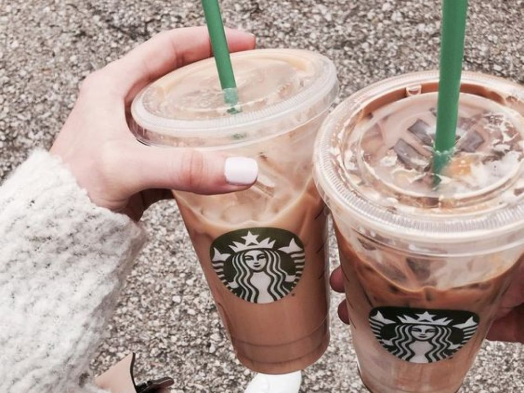 Is your bank account suffering because of your Starbucks addiction? I feel you. Try out these 5 DIY Starbucks drinks that are just as tasty to save up cash!