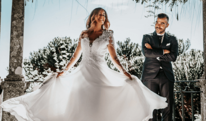 Trying to find a wedding outfit you can wear in all kinds of weather can be stressful. Here are eight wedding outfits you can wear in rain or shine!