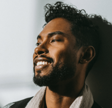 When it comes to men's hair, celebrities often lead the way. Here are men's haircuts that celebs love and all guys should know about.