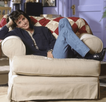 Monica Geller tends to be overlooked when it came to fashion on Friends, so here is a list of 10 outfits Monica wore that we still can't get over!