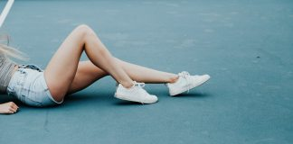 Embracing a vegan lifestyle is a great change and environmentally friendly! Check out these super cool vegan footwear brands you could start sporting!