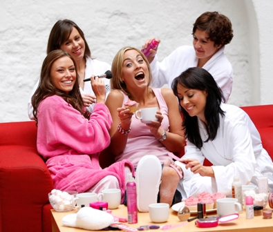 7 Ways to Have a Awesome Girls' Night In