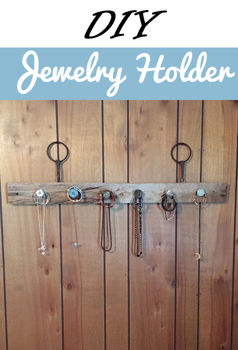 Organize all your necklaces with a DIY jewelry holder!