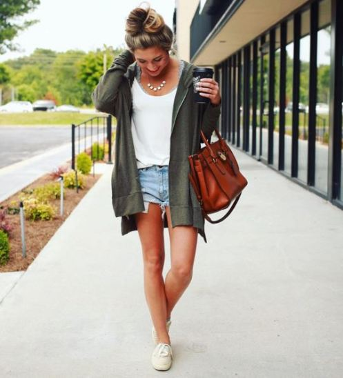 Michaela McVoy style is lay back and she wears pieces you can easily get.