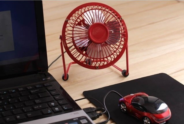 USB powered desk fan is great for college!