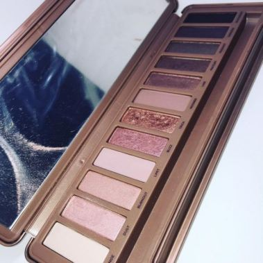 There are better makeup dupes for the Naked 3 Palette such as the Maybelline Blushed Nudes Palette!