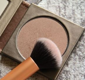 Splurge vs  Steal: 20 Amazing Drugstore Makeup Dupes - Society19