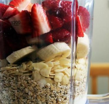Top 10 Smoothie Recipes To Get You Through the Winter