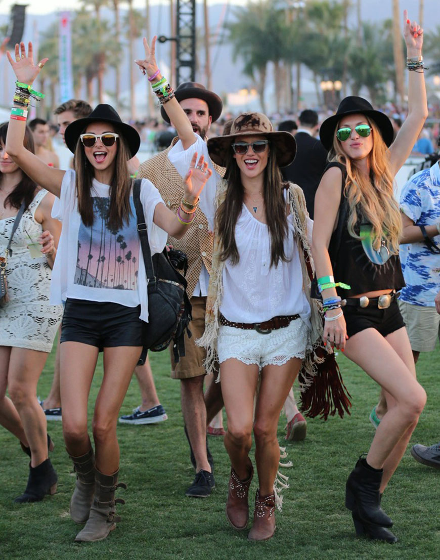 What to Wear to a Music Festival
