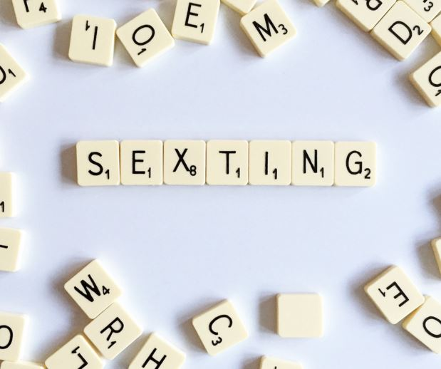 6 Tips For Sexting Like A Pro